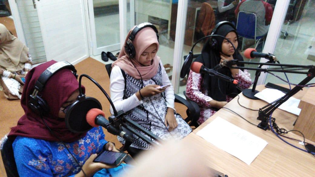 SISWA NEGSA ON AIR RADIO MERAPI FM, SENIN, 7 Januari 2019